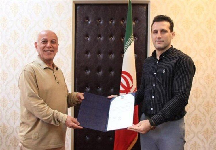 آرش میراسماعیلی: منصوری با شبکه های معاند مصاحبه نموده است