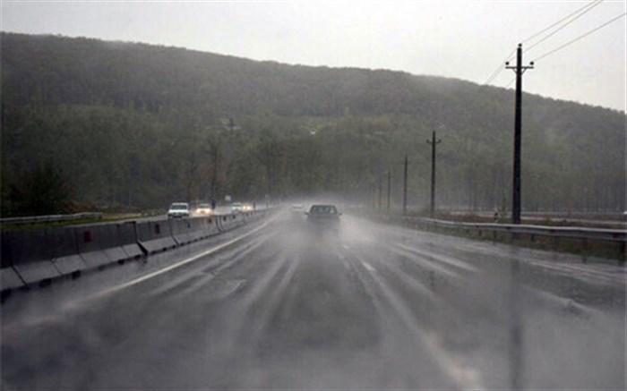 بارش باران در 4 محور مواصلاتی
