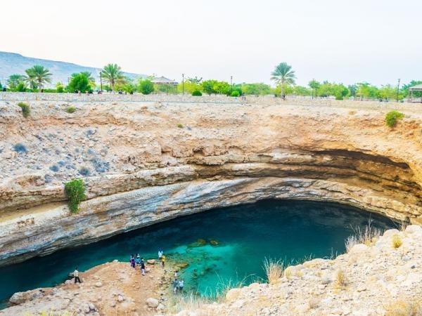 استخر بیمه عمان، جاذبه ای دیدنی در جهان