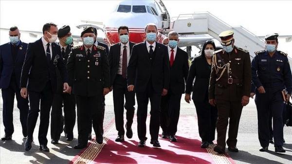 خبرنگاران وزیر دفاع ترکیه وارد بغداد شد