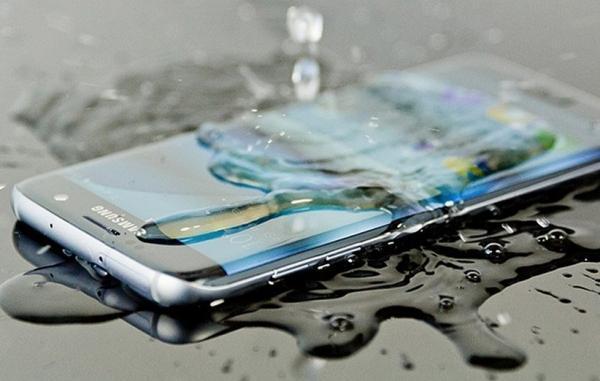8 موبایل ضد آب برتر که همین حالا می توانید بخرید