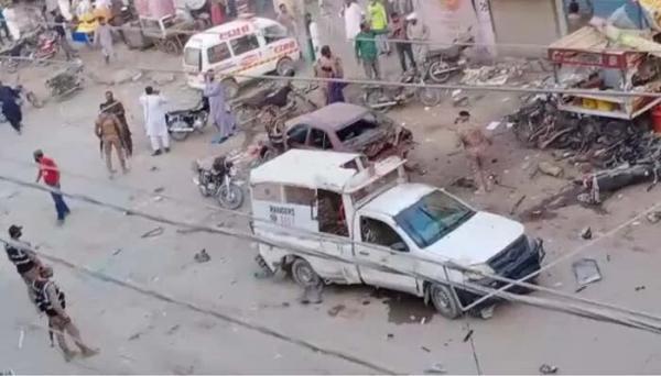 خبرنگاران انفجار در کراچی 1 کشته و 10 زخمی برجای گذاشت