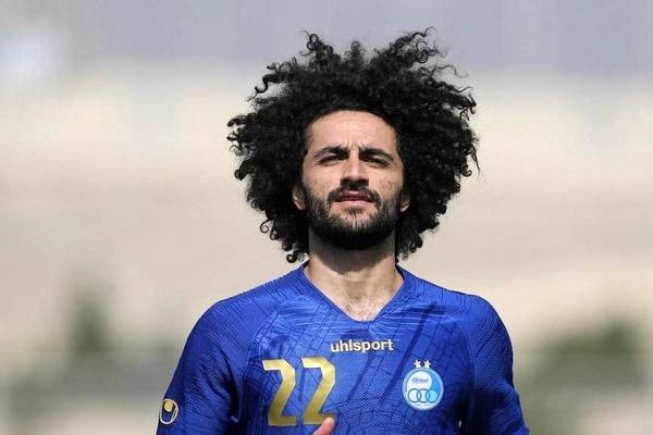 بابک مرادی بازیکن استقلال: با استقلال در 20 ثانیه قرارداد امضا کردم