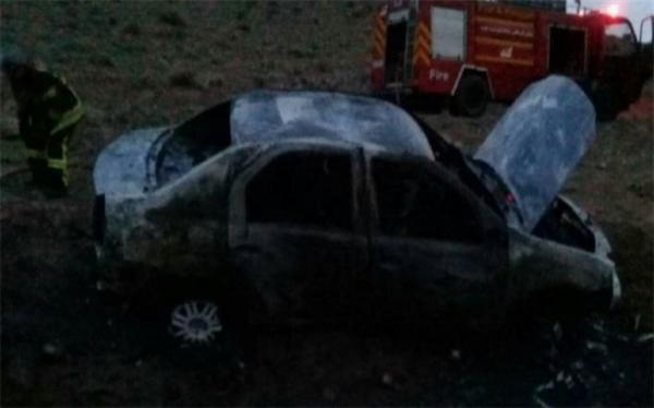 خودروی ال 90 در آتش کنجکاوی دو نوجوان سوخت