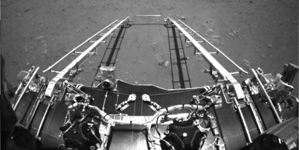 نخستین راهپیمایی مریخ نورد چین در سیاره سرخ