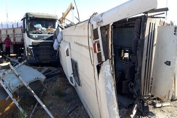 حادثه تصادف اتوبوس در دهشیر یزد