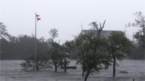 تداوم پایداری شبکه ارتباطی در استان پس از توفان شاهین